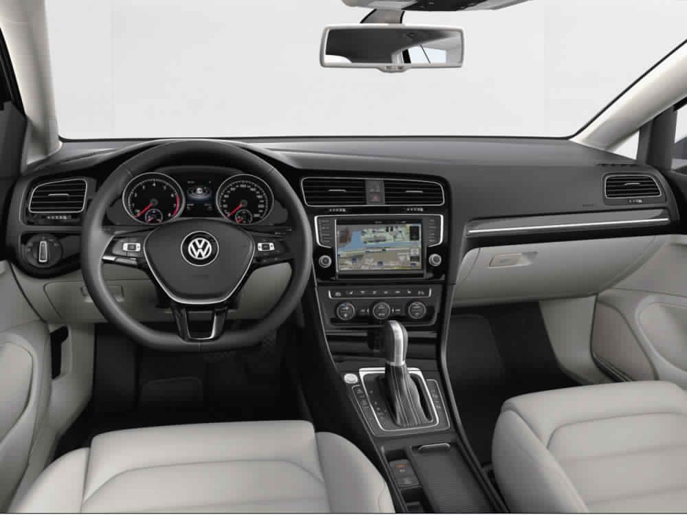 Volkswagen golf vii la voiture parfaite blog rentmaroc for Interieur golf 7