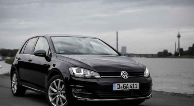 Volkswagen Golf VII - Noire - Face